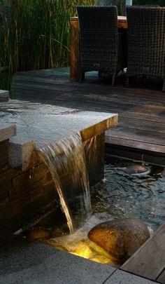 nasvícení přepadu vody / lighting of falling water Water Features, Fountain, Waterfall, Patio, Lighting, Outdoor Decor, Atelier, Water Sources, Water Fountains