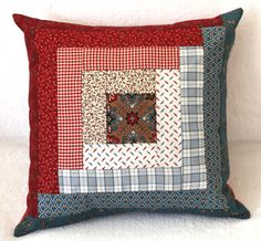 Entre PaPel et TeLas: février 2012 - Quilt ideas and applique - Decor Patchwork Cushion, Quilted Pillow, Patchwork Quilting, Quilts, Patchwork Ideas, Throw Pillows Bed, Diy Pillows, Decorative Pillows, Cushions