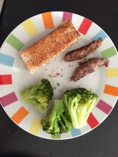 Annabelle's lunch 6 months : beef, steamed brocoli and whole wheat toast…