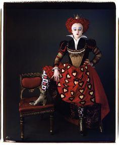 Alice in Wonderland. Helena Bonham Carter as Queen of Hearts from Alice in Wonderland 2010 by Tim Burton Colleen Atwood, Red Queen Costume, Queen Of Hearts Costume, Queen Of Hearts Makeup, Red Costume, Queen Alice, Queen Queen, Queen Of Hearts Alice, White Queen