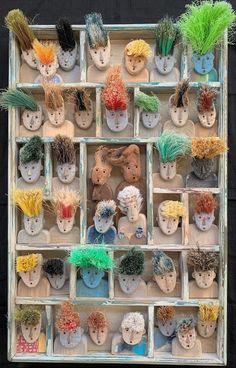 ATELIER KARIBU : Xavier DEPARIS RECYCL'ART Driftwood Art, Driftwood Ideas, Stick Man, Recycled Art, Recycling, Carving, Deco, Crafts, Mixed Media