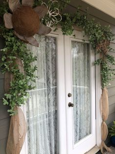 garland of flowers Ways To Decorate Your Front Door - The Shabby Tree Shabby Chic Farmhouse, Shabby Chic Kitchen, Shabby Chic Cottage, Shabby Chic Style, Shabby Chic Porch, Kitchen Linens, Kitchen Towels, Greenery Garland, Porch Garland