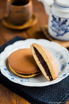 Dorayaki Recipe - A classic Japanese confection, Dorayaki is made of honey pancake sandwich with sweet red bean filling. It's wildly popular amongst the children and adult alike in Japan. #desserts #japanesefood #dorayaki #redbeanpancake #redbeanpaste #japanesesnacks | Easy Japanese Recipes at JustOneCookbook.com Easy Japanese Recipes, Japanese Snacks, Japanese Sweets, Japanese Food, Asian Recipes, Vietnamese Recipes, Chinese Recipes, Mexican Recipes, Japanese Dishes