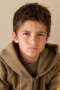 Hey, Georgie, does this look like Little Brant to you? He looks like the guy you kept telling me looked like Brant---you know, the one that I kept saying didn't? And then accidentally decided he did? Yeah... cause I'm special that way.......but this looks like him with slightly darker coloring.