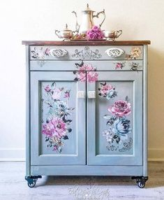 Trouble-Free Solutions Of Beautiful Shabby Chic Decor Ideas - Insights - CAD Maailma Repurposed Furniture, Shabby Chic Furniture, Rustic Furniture, Antique Furniture, Living Room Furniture, Home Furniture, Modern Furniture, Furniture Design, Outdoor Furniture