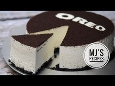 Oreo no bake cheesecake is a simple and delicious dessert. It is made with Oreo vanilla cookies, cream cheese, and whipping cream. Watch the video and serve . Oreo Cake Recipes, No Bake Oreo Cheesecake, Pineapple Cheesecake, Chocolate Cheesecake, Recipe Steps, English Food, Oreo Cookies, Cookies And Cream, Food Porn