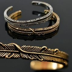 Mens Bendable Leaf Engraved Bangle Bracelet By Guylook.com
