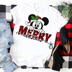 Merry Christmas from Mickey and Minnie! With Disney showcasing their holiday goodies - I couldn't help but make a couple of my own! Disney Shirts, Disney Christmas Shirts, Disney Vacation Shirts, Mickey Mouse Christmas, Disney Outfits, Disney Vacations, Christmas Sweaters, Merry Christmas, Vinyl Christmas Shirts
