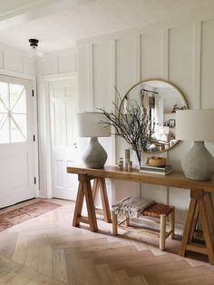 Looking for modern farmhouse interior decor ideas for your bedroom, living room and kitchen? We have 5 essential tips for creating Modern Farmhouse in your home Modern Farmhouse Interiors, Farmhouse Design, Modern Interior, Farmhouse Style, Interior Ideas, Farmhouse Decor, Farmhouse Ideas, Farmhouse Entryway Table, Country Interior Design