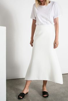 Calling All Minimalists: We Found Your New Favorite Website via @WhoWhatWearUK