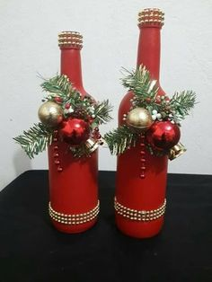 Glass Bottle Crafts, Diy Bottle, Wine Bottle Art, Deco Table Noel, Christmas Wine Bottles, Christmas Glasses, Christmas Decorations, Christmas Ornaments, Diy Christmas Centerpieces