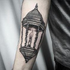 Mais uma tattoo do meu grande amigo JP !!! A lamparina pra ele é a luz pra guiar…
