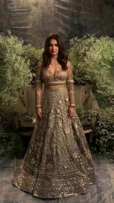 She is beautiful! Shadi Dresses, Indian Dresses, Indian Outfits, Punjabi Fashion, Bollywood Fashion, Indian Fashion, Engagement Dresses, Indian Bridal Wear, Lehenga Designs