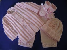 Hand Knit Baby Set 3 to 6 Months Antiallergic Yarn by Pitusa