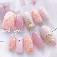 Discover new and inspirational nail art for your short nail designs. Gel Nails At Home, Diy Nails, Fancy Nails, Love Nails, Korean Nail Art, Kawaii Nails, Japanese Nails, Pretty Nail Art, Bridal Nails