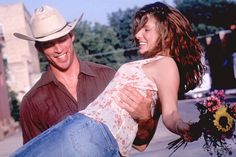 """""""Beginnings are scary, endings are usually sad but it's the middle that counts the most. You need to remember that when you're at the beginning."""" - Birdee, Hope Floats (1998)"""