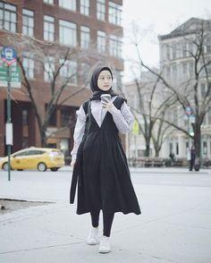 60 new ideas fashion show muslim hijab Casual Hijab Outfit, Hijab Chic, Ootd Hijab, Mode Turban, Moslem Fashion, Hijab Fashion Inspiration, Fashion Ideas, Diy Fashion, Fashion Design