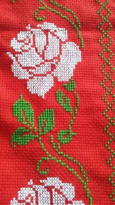 Butterfly Cross Stitch, Cross Stitch Borders, Cross Stitch Rose, Cross Stitch Flowers, Cross Stitch Patterns Free Easy, Cross Stitch Designs, Ribbon Embroidery, Cross Stitch Embroidery, Cross Stitch Collection