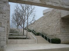 External landscaping, (travertine clad) slot-canyon, terraced with planters and stair integrated, contrasted lightweight and open metal balustrade. Getty Centre (1984-1997), Lost Angeles, USA Richard Meier