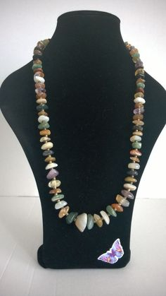 Attractive Vintage / Retro Necklace with a Variety of Coloured Stones