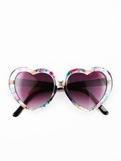 Ray Ban OFF! Glasses frames for women heart ray bans 32 new Ideas Spring Fashion Trends, Autumn Fashion, Heart Shaped Waffle Maker, Ray Ban Sunglasses Outlet, Sunglasses 2016, Ray Ban Women, Heart Shaped Sunglasses, Glasses Frames, Ray Bans