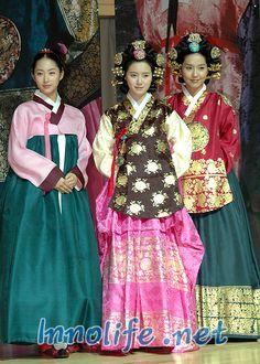 The King and I(Hangul:왕과 나;hanja:王과 나;RR:Wanggwa Na) is a South Korean historical drama series that aired onSBS. StarringOh Man-seok,Ku Hye-sunandGo Joo-won.