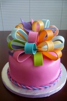 The most beautiful bows on a cake