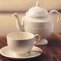 Wedgwood Edme, one of my dinnerware patterns. Looking for an older teapot and/or coffee pot, bowls, and other serving pieces (not platters). My set is at least 15-20 years old.