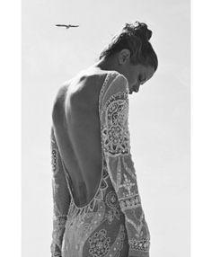 Carolyn Murphy for Harper's Bazaar Turkey April 2012 // black and white photography // crochet lace backless dress // boho chic // beach babe Hippie Man, Hippie Chic, Hippie Style, Boho Chic, Estilo Fashion, Look Fashion, Ideias Fashion, Dress Fashion, Ibiza Fashion