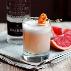 Paloma Sour 1 ounces tequila of your choice ounce fresh grapefruit juice ounce simple syrup ounce fresh lime juice 1 egg white Grapefruit or Angostura bitters Grapefruit twist, for garnish (optional) Craft Cocktails, Party Drinks, Cocktail Drinks, Fun Drinks, Cocktail Recipes, Alcoholic Drinks, Beverages, Drink Recipes, Paloma Cocktail