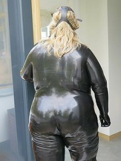 Rubber Catsuit, Latex Catsuit, Heavy Rubber, Body Shaming, Girl With Curves, Rain Wear, Ssbbw, Plus Size, Leather