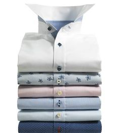 Stenstrӧms offers an extensive range of skillfully selected and combined fabrics, colours, collars and cuffs that will ensure a gift of a lifetime - a well-made shirt in the finest fabric that retains its shape, elegance and comfort. Slim Fit Dress Shirts, Shirt Dress, Casual Shorts Outfit, Formal Men Outfit, Office Attire, Collar And Cuff, Short Outfits, Menswear, Mens Fashion