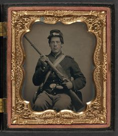 [Unidentified soldier in Union uniform with musket and haversack] | Library of Congress