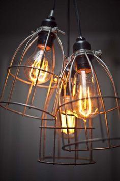 love industrial looking light fixtures.