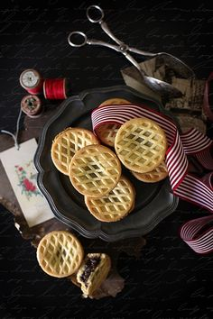 christmas mince pies  by Hannah Blackmore Photography