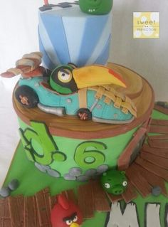 Angry Birds Go! Cake. Gumpaste / fondant Hal bird and kart model.