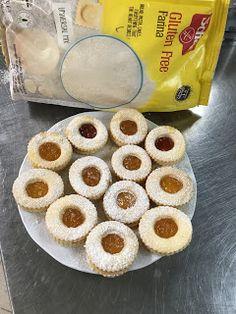 Eszter mentes konyhája: Linzer karika gluten és laktózmentesen Sin Gluten, Gluten Free, Doughnut, Food, Glutenfree, Glutenfree, Essen, Meals, Yemek