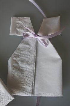 Søte dåpskjole-servietter til dåp og babyshower – Creative Fun 4 You
