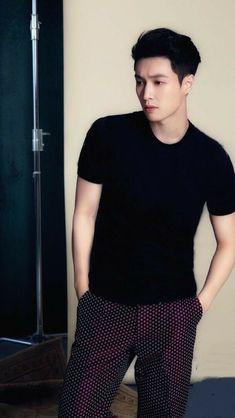 lay so fine Yixing Exo, Baekhyun Chanyeol, Changsha, Kpop Exo, Exo Members, Lady And Gentlemen, Boyfriend Material, Handsome, Husband