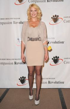 Katherine Heigl Pencil Skirt - Katherine belted a nude mini pencil skirt for the Compassion Revolution Press Conference.