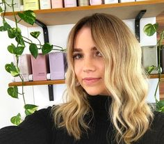 Lush new colour for this beauty! Using a combination of foils with flashlight  our favourite @olaplexau. Root shadow at the basin roots 7nb /dash of 8n ends 9nb/9g  Styled using @ghdhair_anz and @kevin.murphy.australia. Hair by @emily_edwardsandco. #edwardsandco #edwardsandcobuddsbeach