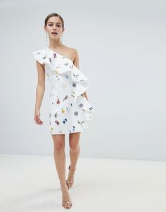 Browse online for the newest ASOS DESIGN Petite floral one shoulder ruffle a-line mini dress styles. Shop easier with ASOS' multiple payments and return options (Ts&Cs apply). Classy Dress, Classy Outfits, Chic Outfits, Dress Outfits, Fashion Dresses, Dress Up, Floral Dresses, Dress Design Sketches, Outfits