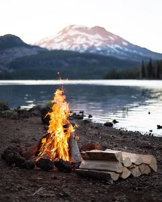 Few things in life are better than sitting around a campfire. Doubletap if you agree!  Photo Credit: @ryan_field_
