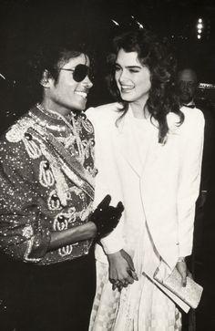 Michael Jackson et Brooke Shields look années 80