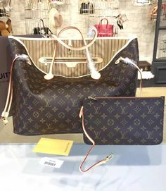 Louis Vuitton Monogram Canvas Neverfull GM M40990.  Find LV bags at http://www.luxtime.su/louis-vuitton-handbags