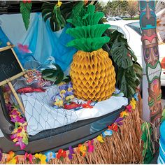 Luau+Trunk+Or+Treat+Car+Decorations+Idea+-+OrientalTrading.com