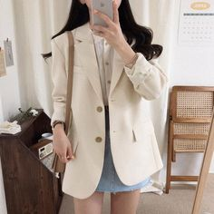 Blazer Outfits, New Outfits, Girl Outfits, Cute Outfits, Fashion Outfits, Korean Fashion Work, Korean Fashion Trends, Clothing Photography, Light Jacket