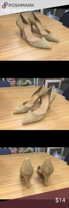 Nine West shoes size 10M 100% of proceeds go to the National Alliance on Mental Illness (NAMI) of Palm Beach County, Florida.  NAMI provides education, support and advocacy with the goal to empower individuals and their families living with mental illness. Nine West Shoes