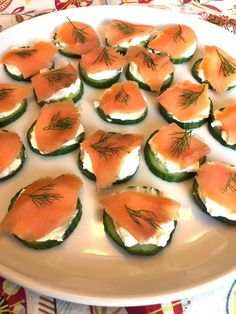 Cucumber Appetizers, Cucumber Bites, Appetizers For A Crowd, Seafood Appetizers, Cheese Appetizers, Finger Food Appetizers, Finger Foods, Appetizer Recipes, Cucumber Recipes