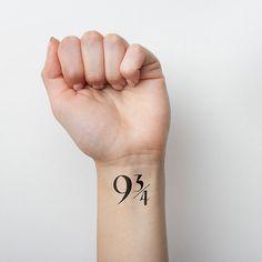 Este número de plataforma: | 21 tatuagens temporárias do Harry Potter que todos os fãs vão adorar